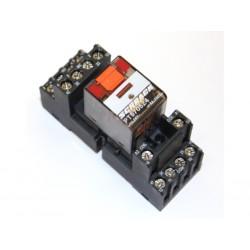 SCHRACK PT570524 - Relè 250V 6A con Zoccolo